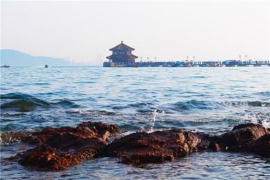 山东济南+曲阜+泰山+青岛+威海+烟台+蓬莱6日5晚跟团游(4钻)