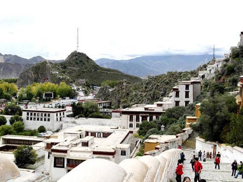 环飞西藏 (四飞8天•林芝进拉萨出)