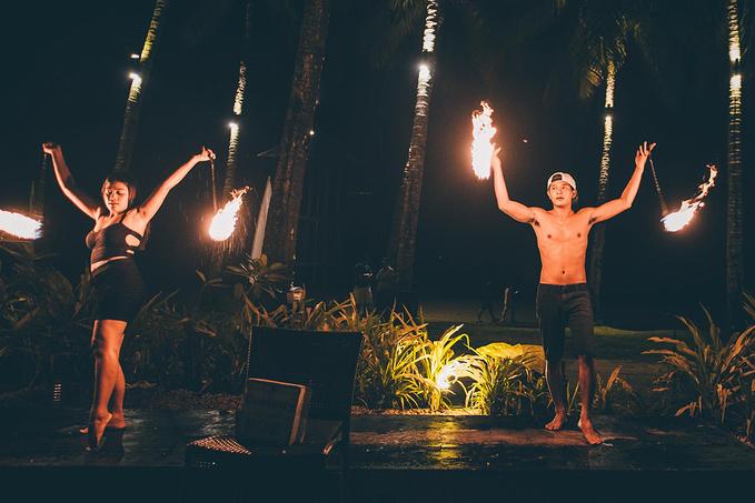 菲律宾超实用热带岛屿旅游美食行程攻略之巴拉望Sheridan Beach Resort晚餐时分的精彩表演