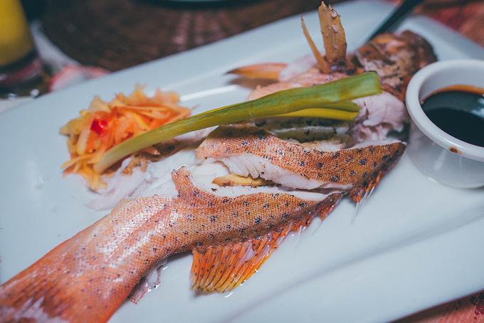 菲律宾超实用热带岛屿旅游美食行程攻略之在公主港最有名的餐厅吃海鲜
