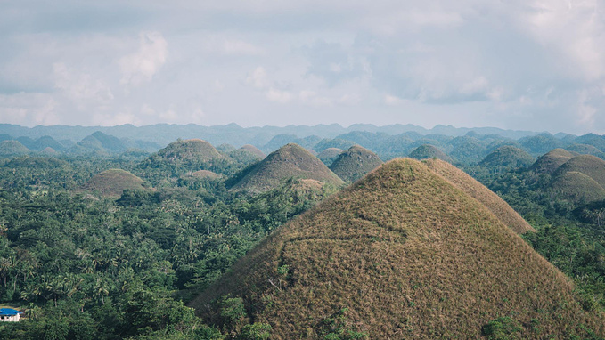 菲律宾超实用热带岛屿旅游美食行程攻略之薄荷岛的巧克力山