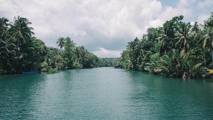 菲律宾超实用热带岛屿旅游美食行程攻略之薄荷岛的塔比拉兰港的河