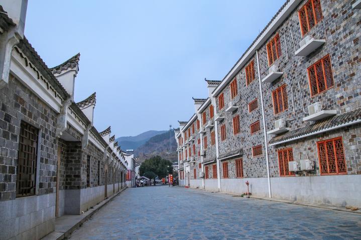 湖北武汉姚家山景点旅游攻略之青石板铺的道路