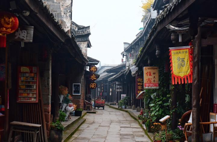 四川成都网红美食旅游打卡全攻略之黄龙溪古镇的街