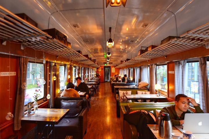 四川成都网红美食旅游打卡全攻略之火车头广场的咖啡馆