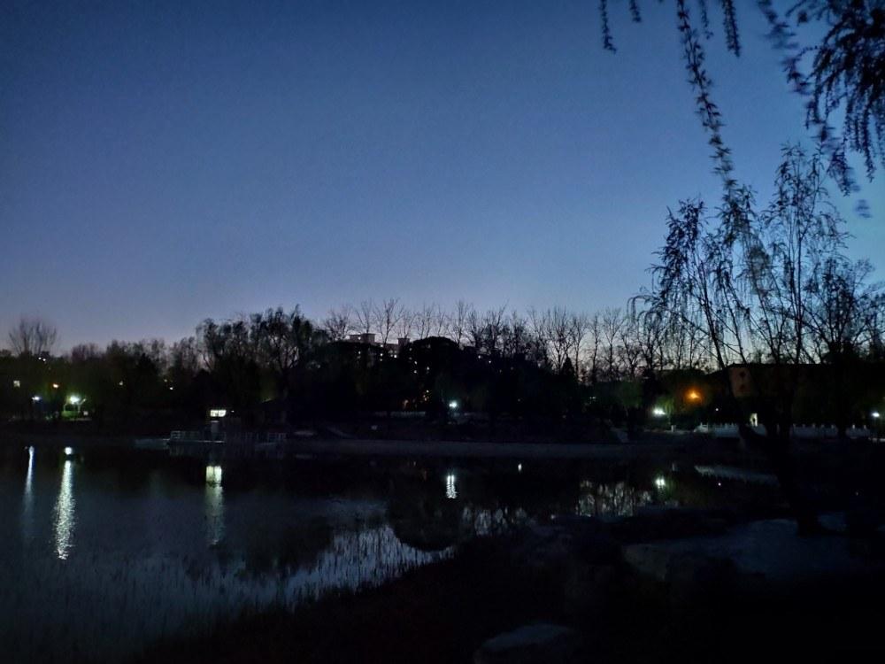 【北京】夜游柳荫公园