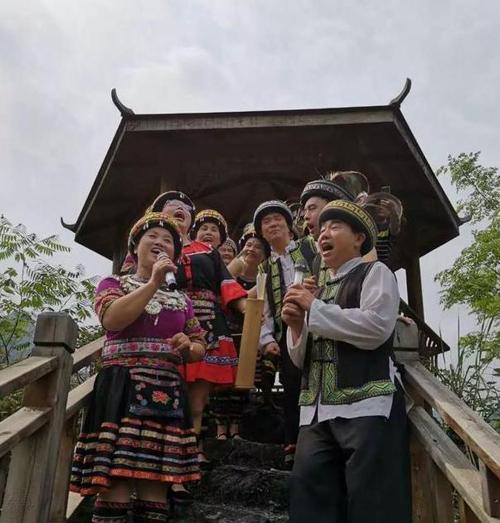 【古寨】:古寨人民唱起瑶家山歌,欢迎八方来客